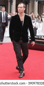 LONDON - MAY 27, 2015: Jude Law attends The European premiere of SPY at the Odeon Cinema, Leicester Square on May 27, 2015 in London