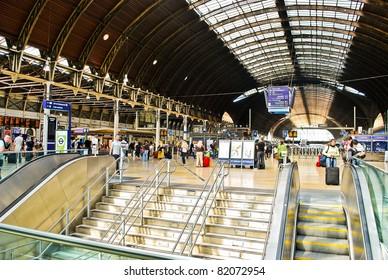 LONDON - MAY 29: The interior of Paddington train station on May 29, 2011 in London, UK. Paddington is one of the biggest train stations in London.