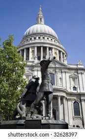 London - memorial from first world war and st. Pauls cathedral