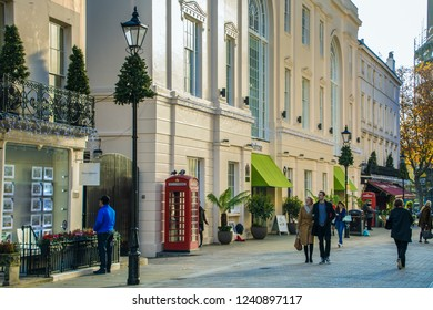 LONDON- NOVEMBER, 2018: A London street scene on Motcomb Street in Belgravia, an affuent street of boutique shops and restaurants