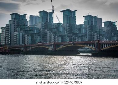 LONDON- NOVEMBER, 2018: Vauxhall Bridge, a Victoria road bridge between Vauxhall and Pimlico