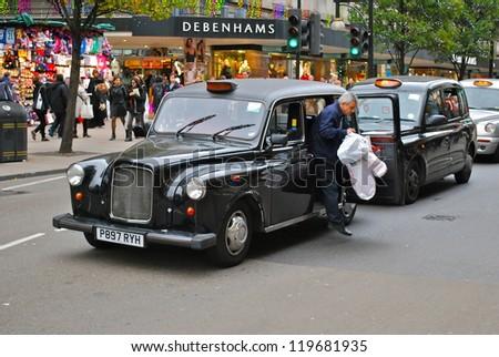 LONDON NOVEMBER 9 London Taxi Black Stock Photo Edit Now 119681935