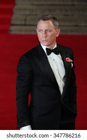 LONDON - OCT 26, 2015: Daniel Craig attends James Bond Spectre film premiere on Sep 26, 2015 in London