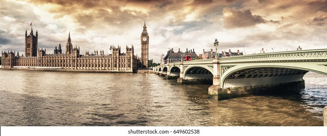 London. River Thames, Westminster Bridge and Houses of Parliament.