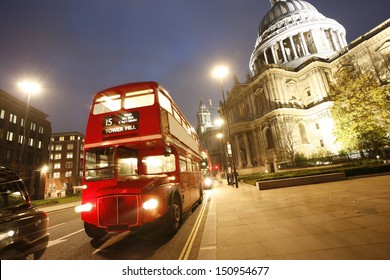 London Routemaster Bus and St Paul's Cathedral locates at the top of Ludgate Hill in the City of London