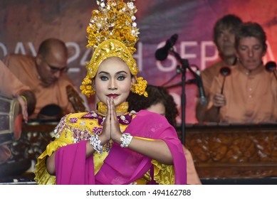 LONDON - SEPTEMBER 24: Malaysian cultural dancer performing the Timang Burung Dance at the Malaysia Fest 2016 in Trafalgar Square, London, UK, SEPTEMBER 24, 2016. The Festival is now in its 7th Year.