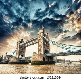 London. Side view of Tower Bridge in all its magnificence.