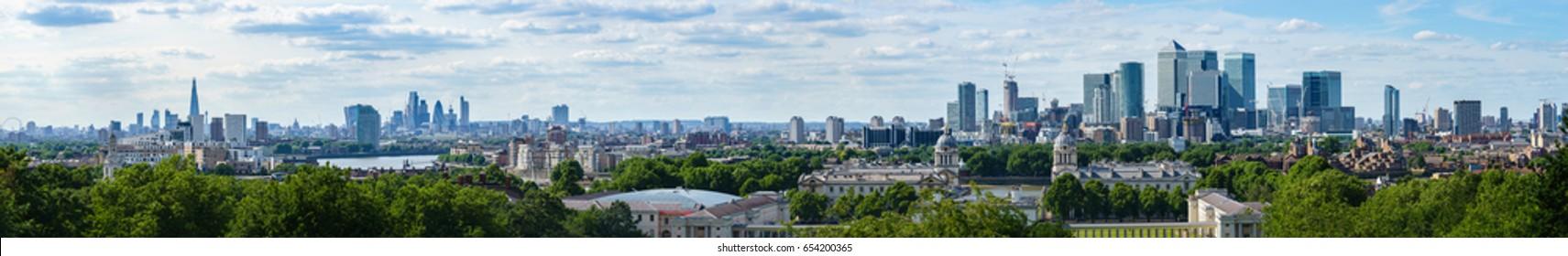 London skyline panorama of modern skyscrapers