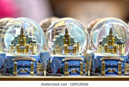 London Snowglobe Souveniers