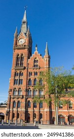 London St. Pancras railway station, a beautiful red brick wall building