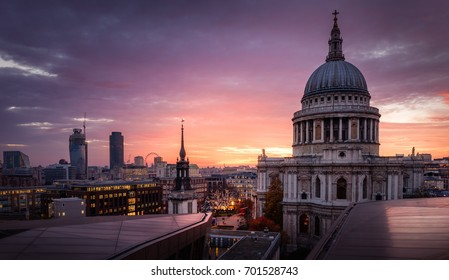 London St. Paul Cathedral View at Sunset