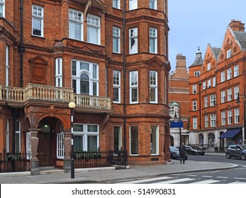London street with elegant old apartment buildings