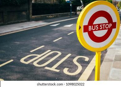 London street iconic bus sign