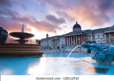London, Trafalgar Square in the evening