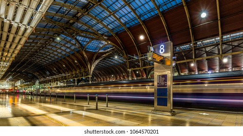 London, UK. 10/27/2016: A train pulls out from Paddington Station bound for the South of England.