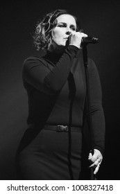 London, UK. 14 November, 2017. Alison Moyet performs at the Paladium.