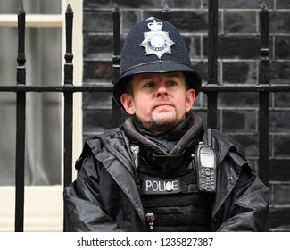 London, UK. 20 November, 2018. Security at the weekly Cabinet Meeting, 10 Downing Street.
