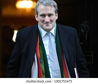 London, UK. 22 Januari, 2019. Damian Hinds, Secretary of State for Education, leaves the Cabinet Meeting, 10 Downing Street.