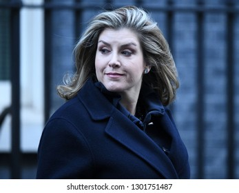 London, UK. 22 Januari, 2019. Penny Mordaunt, Secretary of State for International Development, Minister for Women and Equalities, leaves the Cabinet Meeting, 10 Downing Street.