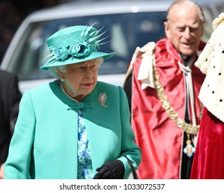 London, UK. 24 May, 2017. Her Majesty The Queen, accompanied by His Royal Highness The Duke of Edinburgh, attends a service at St Paul's Cathedral.