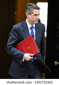 London, UK. 29 Januari, 2019. Gavin Williamson CBE MP, Secretary of State for Defence, leaves the Cabinet meeting.