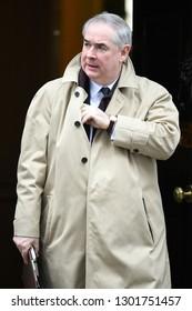 London, UK. 29 Januari, 2019. Geoffrey Cox QC MP, Attorney General, leaves the Cabinet meeting.