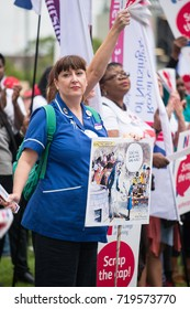 London, UK. 6th September 2017.  EDITORIAL - Scrap The Cap Protest - Thousands of nurses gather at Parliament Square in London, to campaign against the government's 1% public sector pay cap.