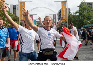 London, UK. 7th July, 2021. England fans excited before the UEFA Euro 2020 Semi-Final match between England and Demark at Wembley Stadium. Michael Tubi  Alamy Live News