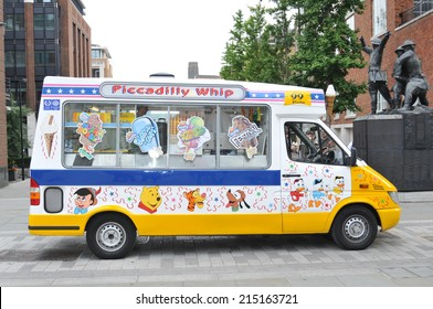 LONDON, UK - AUGUST 22, 2010: Musical ice cream van waiting for customers in central London