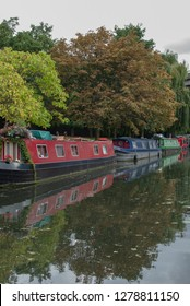 LONDON, UK - CIRCA SEPTEMBER 2014: Houseboats in Little Venice, Regent's Canal, London. Editorial use only.