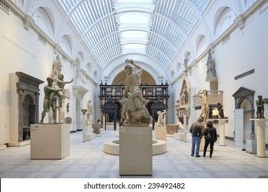 LONDON, UK - DECEMBER 20: Victoria and Albert museum's Medieval and Renaissance room, with statue of Samson slaying a Philistine in the centre. December 20, 2014 in London.