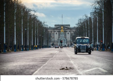 LONDON, UK - JANUARY 14, 2017: The Mall street in winter with Buckingham palace in the background