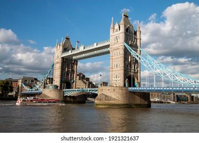 London, UK, Juli, 2017, Tower Bridge Summer 2017