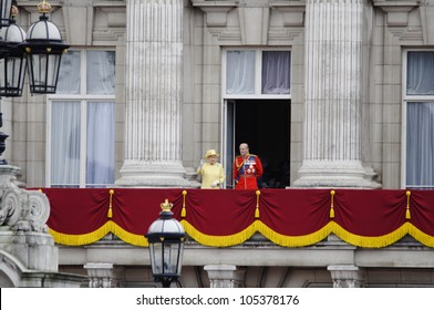 LONDON, UK - JUNE 16: The Royal Family appears on Buckingham Palace balcony during Trooping the Colour ceremony, on June 16, 2012 in London.