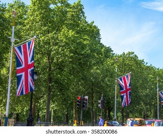 LONDON, UK - JUNE 4, 2015:  The Mall, street in front of Buckingham Palace. The Mall - The Diana Princess of Wales Memorial Walk