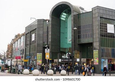 b51ac582317 LONDON, UK – MAR 2018: The Glades Shopping Mall in Bromley, South London