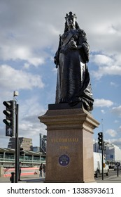 LONDON, UK - MARCH 11 : Statue of Queen Victoria at approach to Blackfriars bridge in London on March 11, 2019