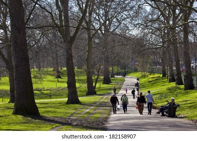LONDON, UK - MARCH 15TH 2014: The beautiful Green Park in London on 15th March 2014.