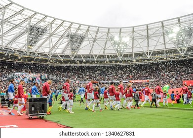London Football Photos 15 960 London Stock Image Results