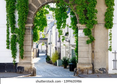 LONDON, UK - MAY 15th, 2019: Typical Mews in Chelsea and Kensington area, thery were traditionally built as row or courtyard of stables and carriage houses with living quarters above them.