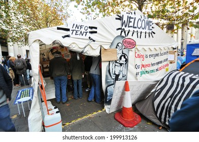 LONDON, UK - NOVEMBER 19, 2011: Occupy London protesters in front of Saint Paul Cathedral