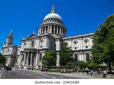 London, UK-July 04, Cathedral of St. Paul, July 04.2014 in London