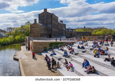 LONDON, UNITED KINGDOM - APRIL 17:  This is Granary Square riverside park, an area along the regents canal in Kings Cross on April 17, 2018 in London