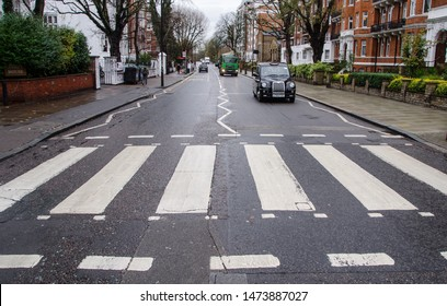 London/England  06/11/2019 photo of people crossing the abbey road pedestrian crossing