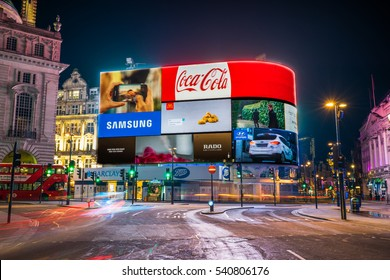 LONDON,ENGLAND - DECEMBER 16,2016: Piccadilly Circus in London at night