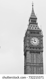 London's Big Ben in black and white
