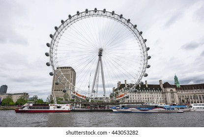 LONDON,THE UK-CIRCA MAY 2016: view on the London Eye from the Thames