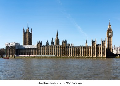 LONDON/UK - FEBRUARY 18 : View of Big Ben and the Houses of Parliament in London on February 18, 2015. Unidentified people.