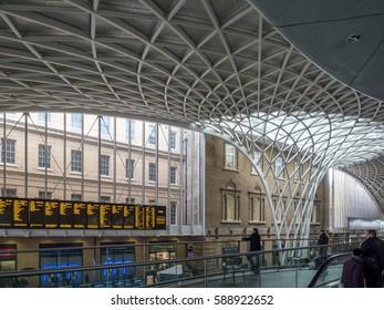 LONDON/UK - FEBRUARY 24 : Kings Cross Station in London on February 24, 2017. Unidentified people