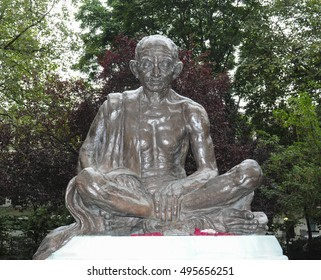LONDON/UK - October 8th, 2016. Statue of Mahatma Gandhi, Tavistock Square, Bloomsbury, London, England, UK